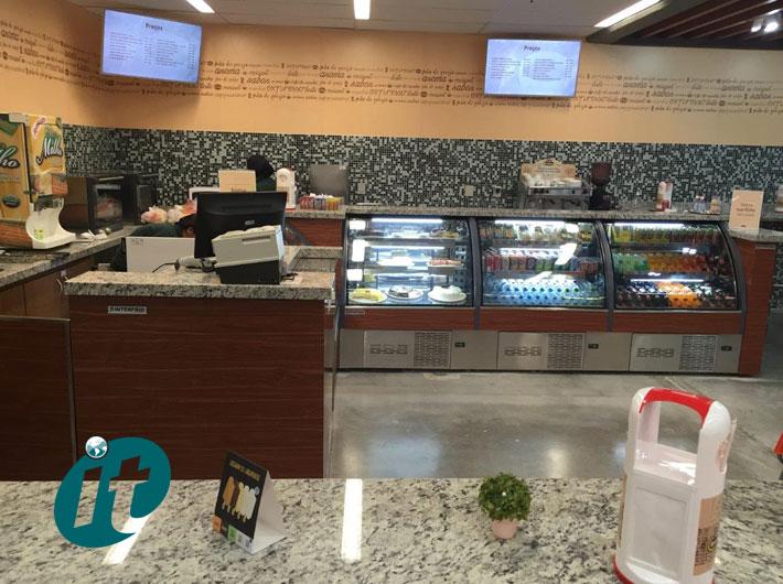 Balcões em Vidro Curvo e Reto para Cafeterias