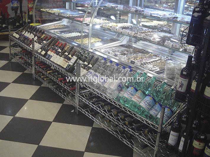 Balcões em Vidro Curvo para Cafeterias