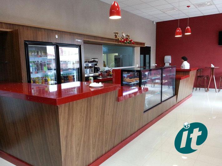 Equipamentos e Expositores para Cafeterias