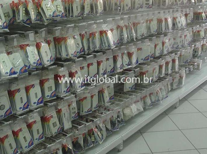 Gôndolas para Lojas de Material Elétrico